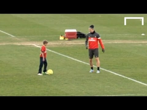 Beckham's sons vs Ibrahimovi? and Thiago Silva