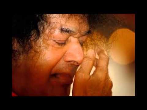Vela Vaa Vela Vaa Vel Muruga Vaa Vaa - Sai Bhajan video
