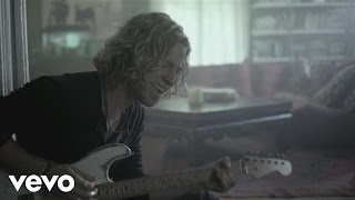 Watch Casey James Crying On A Suitcase video
