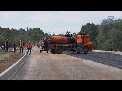 В Крыму починили разрушенную оползнем дорогу в Севастополь