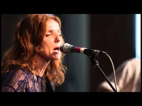 "Patty Griffin - ""Don't Let Me Die in Florida"""