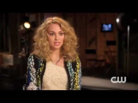 An Interview With AnnaSophia Robb, of  The Carrie Diaries