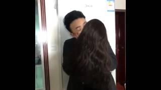 Video lucu yang buat anda pingin ciuman bersama pacar ( tipuan belaka )