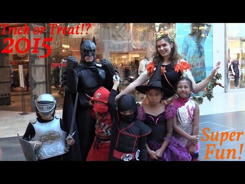 Halloween Trick or Treat 2015 w/ Hulyan, Maya and Friends - Cool Costumes and Stuff!