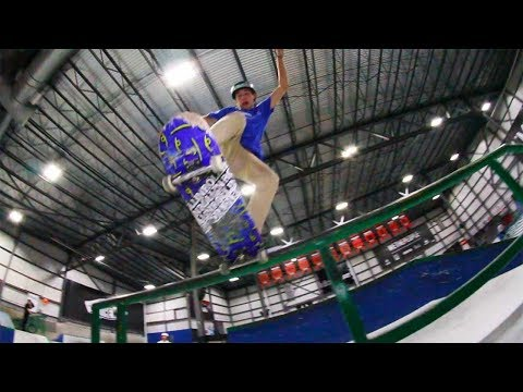 Ethernal Skate Films / Winter skateboarding video @ Taz skatepark Montreal