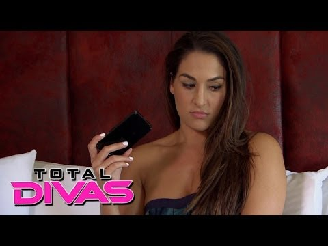 Nikki Bella checks into a hotel and calls her mom: Total Divas, Nov. 24, 2013