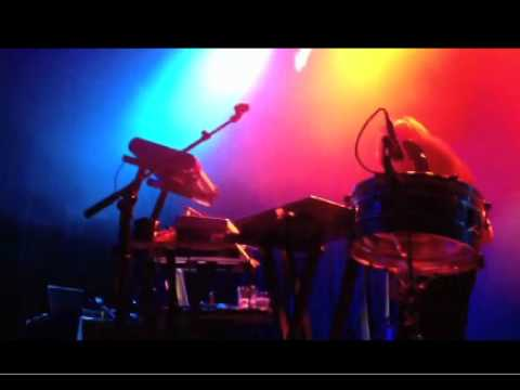 Robert DeLong - Basically, I (Live)