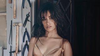 Download Lagu Camila Cabello RESPONDS After Fifth Harmony's VMAs Performance Gratis STAFABAND