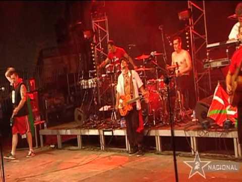Manu Chao - Clandestino (LIVE) - YouTube