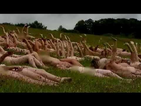 100 mulheres nuas para pousar em calendario da caridade naked women for calendar