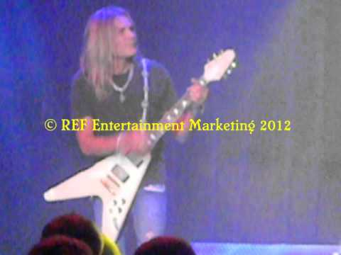 CARLOS CAVAZO Come On Feel The Noise Part 4 Las Vegas Copyright REF Entertainment Marketing 2012