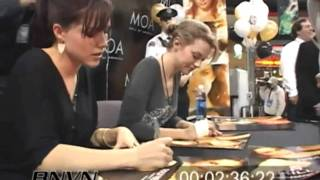 Hilarie Burton and Sophia Bush meeting their fans at the MOA (2006)