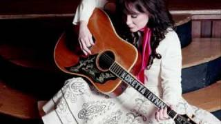 Watch Loretta Lynn Close My Eyes video