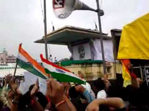 Dr. Kumar Vishwas At Ramlila Maidan.mp4 video