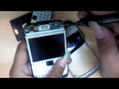 cara membuka casing blackberry onyx  9700