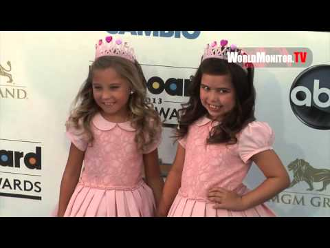 Sophia Grace and Rosie McClelland Billboard 2013 Music Awards Blue Carpet Arrivals