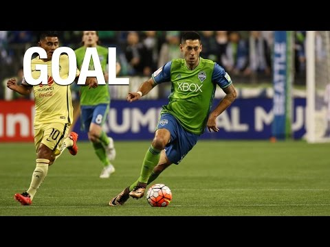 Clint Dempsey opens the scoring at CenturyLink Field