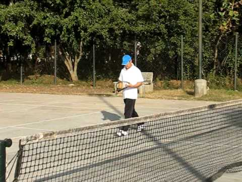 Aamir Khan and Madhavan playing tennis at IIM Bangalore