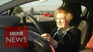 92-year old has driving lessons for first time in 50 years - BBC News
