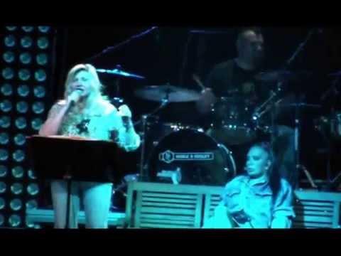 Aida Cooper – Donna (live 28//06/2013 / Padova – Pride Village)