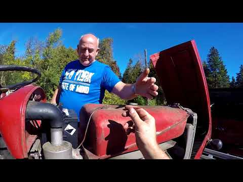 Repairing the Mayors Tractor