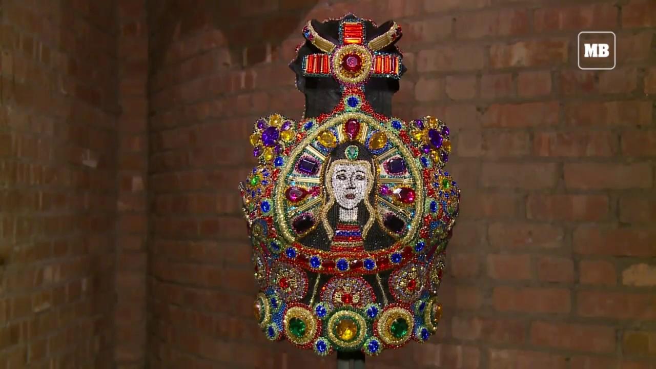 Met museum premieres Catholic fashion exhibition
