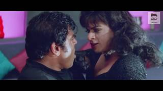 Shahrukh Khan's act as female from Duplicate movie