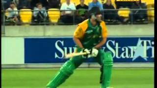 AB De Villiers 106 vs New Zealand 1st ODI 2011 12
