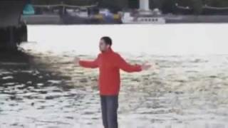 the man walk on the water - YouTube.flv