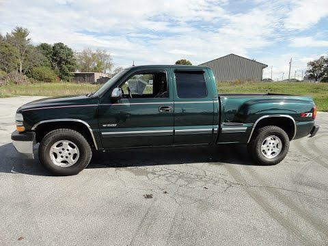 2001 Chevy Silverado 1500 LT Extended Cab 4x4 Truck Stepside Bed Tour Walk Around Engine