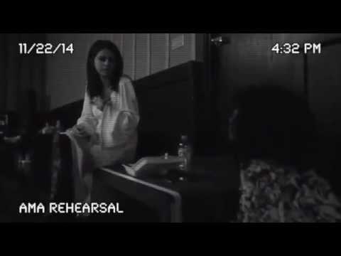 Selena Gomes Gets Emotional at AMAs