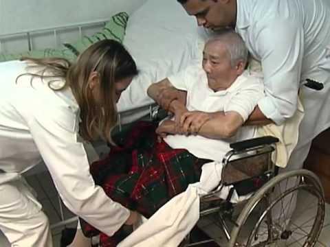 Desidratação em idosos como tratar