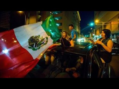 Starnes: Anti-Trump crowd waves Mexican flag, burns US flag
