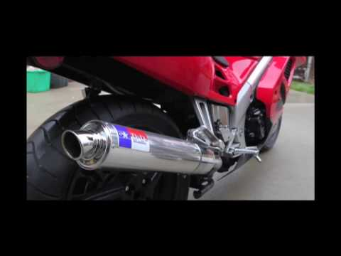 D&D exhaust on 1996 Honda VFR750f Video