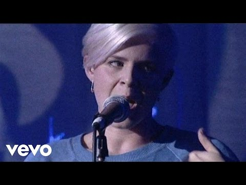 Robyn - Who's That Girl (Live From Scala 2007)