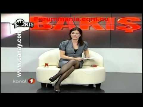 Özlem Gürses Mükemmel Bacaklar Siyah Çorap İtalyan Oturuş