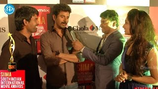 Siva Karthikeyan, Soori makes Funny Comments@SIIMA 2014 - Red Carpet