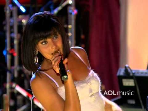 Nelly Furtado - Promiscuous (Live at the Roxy)