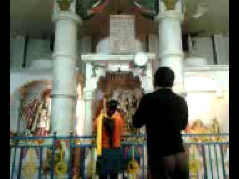 Shri Krishan Govind Hare Murari Hey Nath Narayan Vasudeva