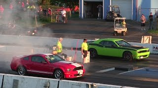 1000$ race-Hellcat Challenger vs 650 Shelby Gt500 Modified 650 hp manual-drag race 1/4 mile