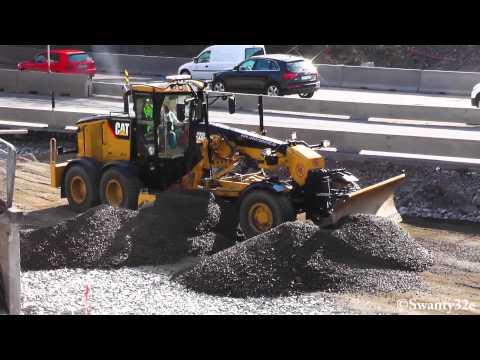 CAT 140M Grading Gravel
