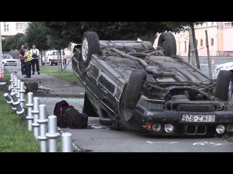 Tetőre vágódó BMW rombolt a rendőrség közelében - szon.hu