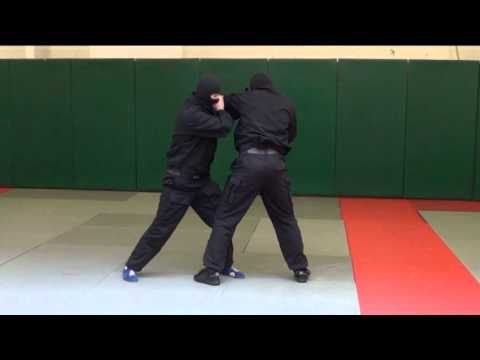 ОМОН. Видео рубрика по самообороне и боевому самбо. Урок 1.