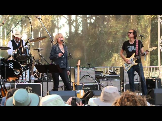 Something Wicked This Way Comes - Lucinda Williams - 2014 Hardly Strictly Bluegrass  7746