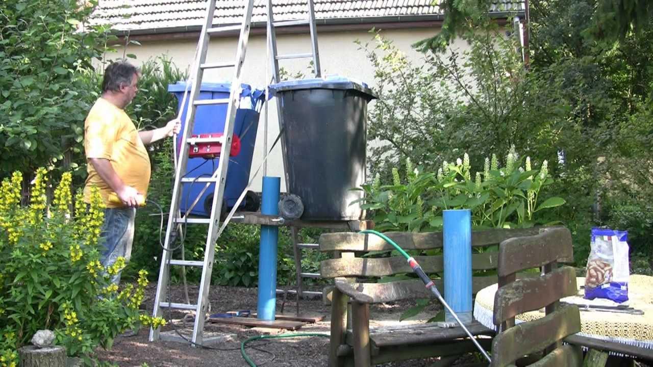 Brunnenbohren von Hand mit Kiespumpe - YouTube