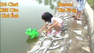 Thanh BĂng Và Ngọc Ruby  Chơi Giải Cứu Chú Ếch Xanh Gặp Nạn - Rescue the Frog *_*Baby channel