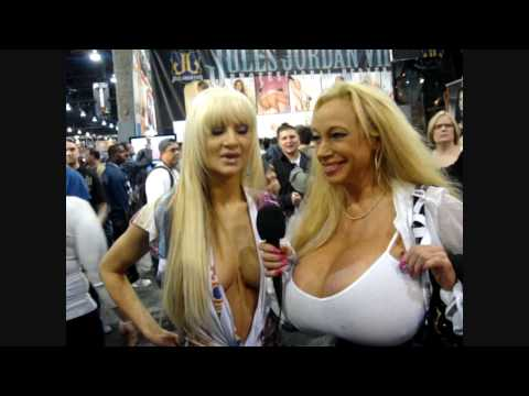 2010 Adult Entertainment Expo AEE/AVN INTERVIEW Echo Valley 65NN