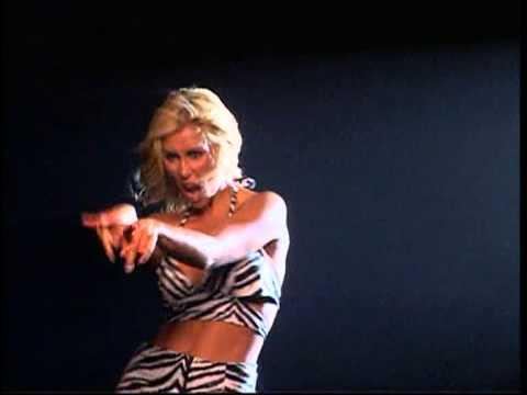 Malena Gracia - Loca (Videoclip Oficial)