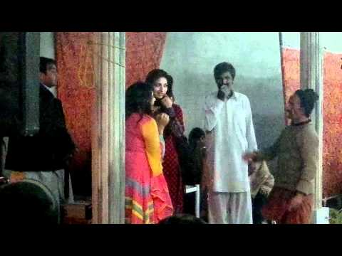 Nadia Gul Danceing In Kohat City video