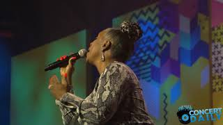 "ESSENCE FEST: Regina Belle performs ""If I Could"" live for Dottie Peoples Tribute"